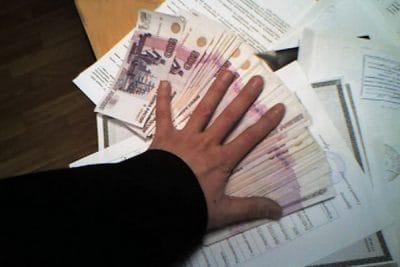 Зарплата и арест счета судебным приставом.