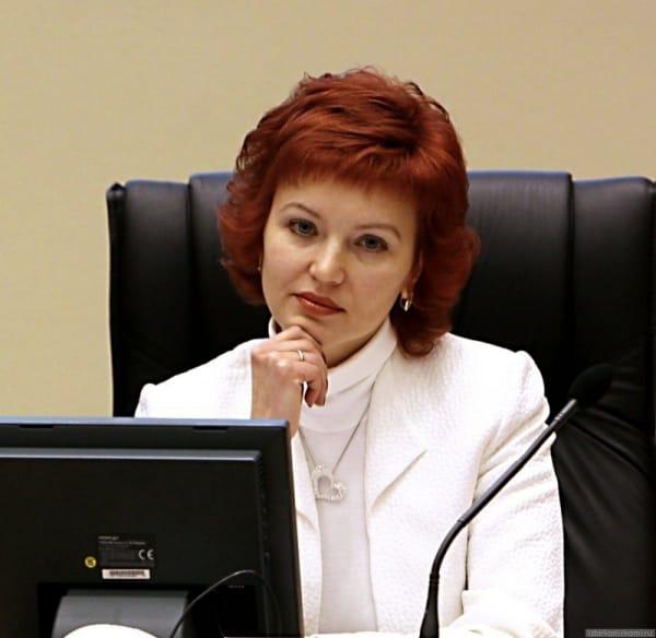 ВКоми экс-главу избиркома, обвиняемую вовзяточничестве, отпустили под крупный залог