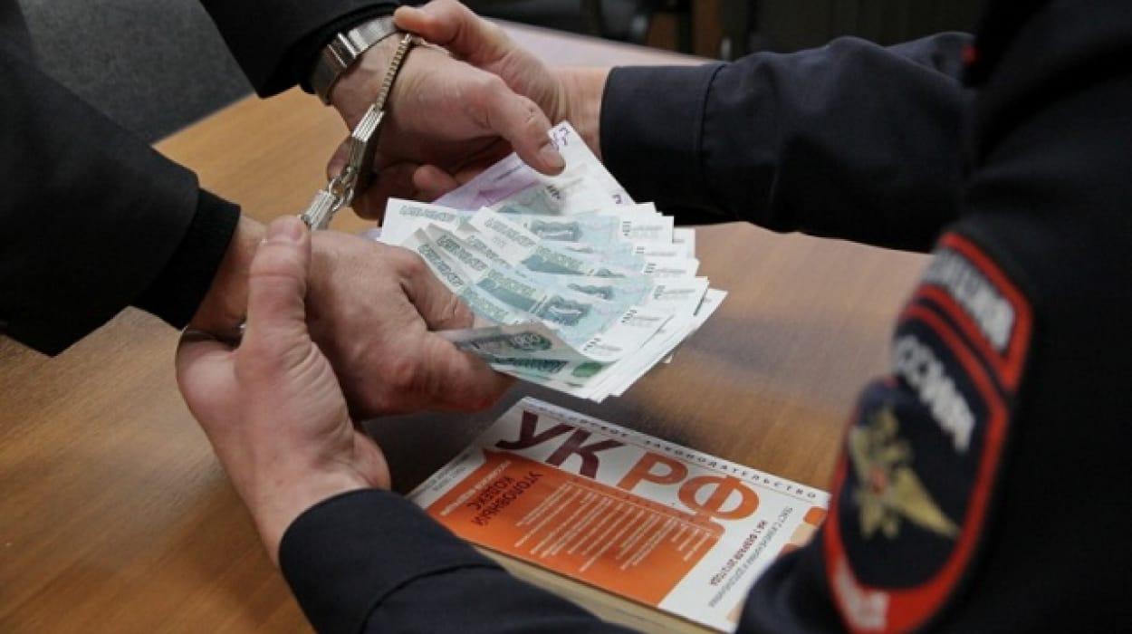 Заморозивший Белоярку чиновник отдан под суд завзятку. Его сдал подчиненный