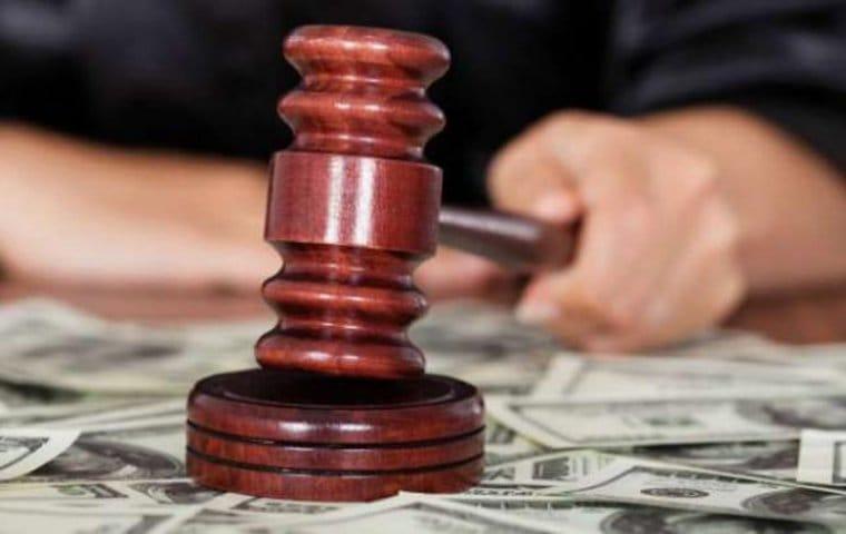 ВКузбассе мировому судье вынесли вердикт завзятку отполицейского