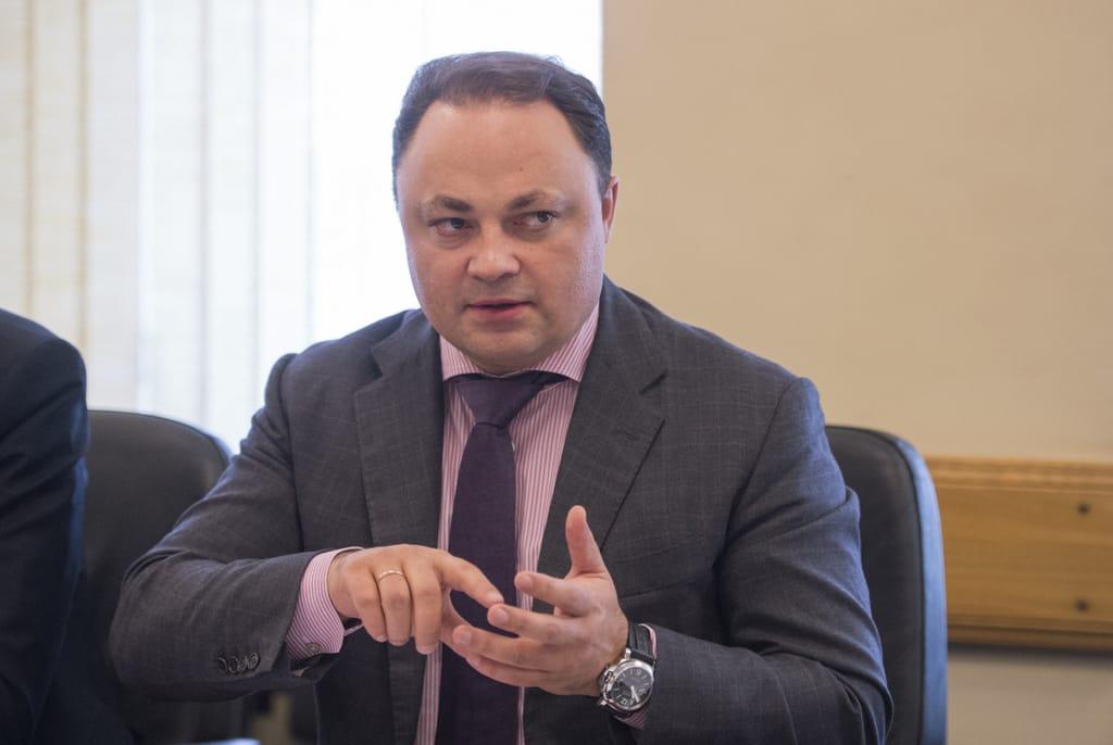 Суд оставил под арестом банковский счет главы города Владивостока