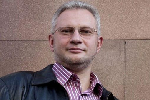 Бывшему ведущему телепрограммы «Суд идет» предъявлено обвинение вмошенничестве