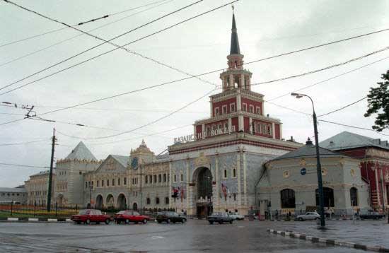 Глава Казанского вокзала столицы идет под суд— Подкуп ибездействие