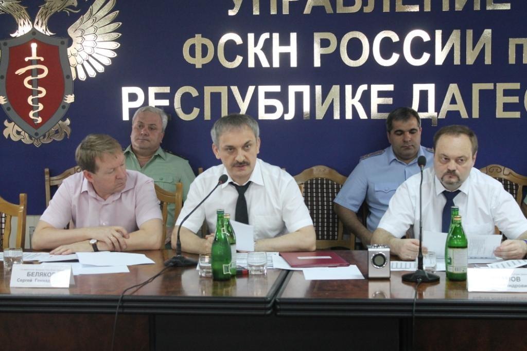 ВДагестане экс-работники Наркоконтроля подозреваются вхищении 4,5 млн руб.