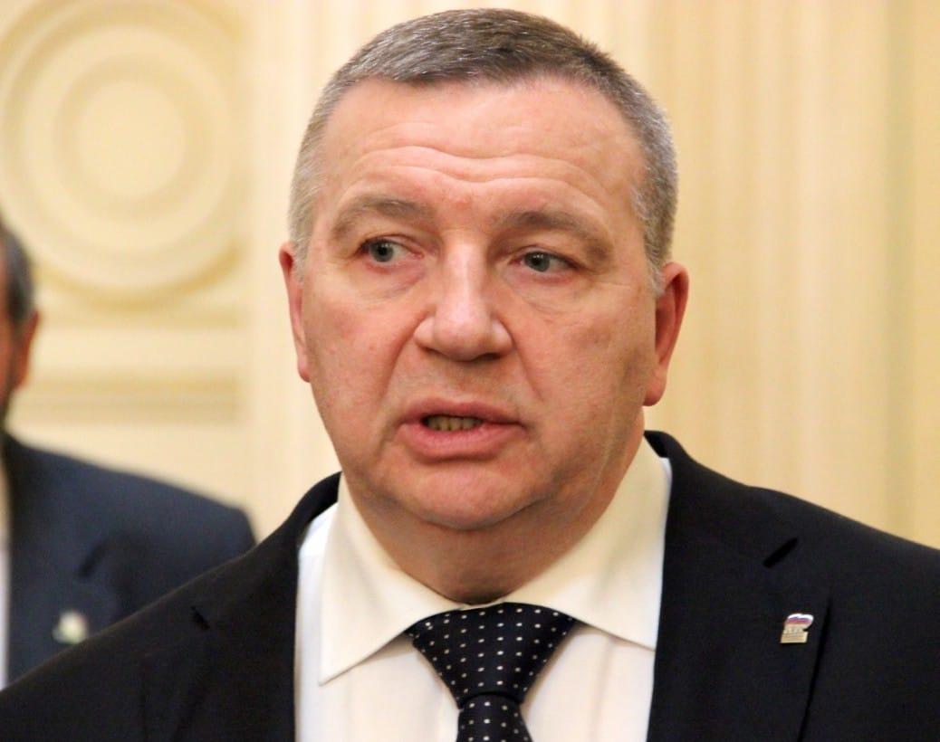 «Собачья жизнь» депутата Никешина – кому нужен бездельник со стажем?