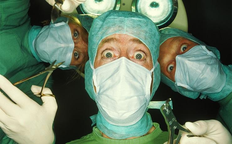 пластические хирурги