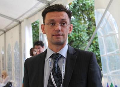 Валентин Отрошко